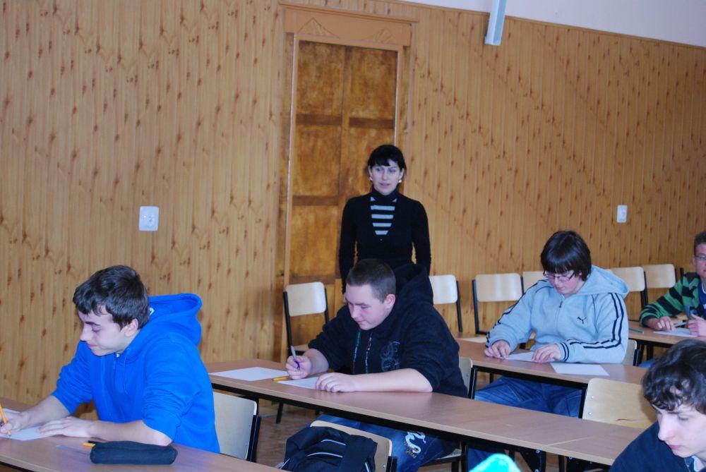 Szkolny konkurs matematyczny 2009-2010