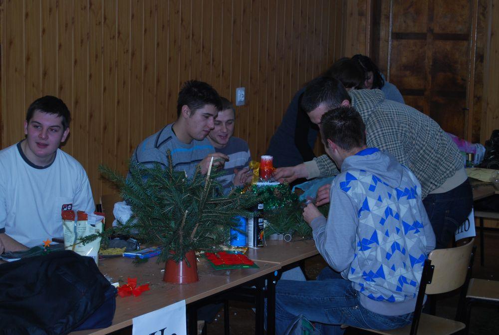 Szkolny konkurs stroików świątecznych 2010