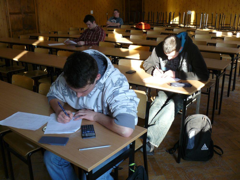 Szkolny etap konkursu matematycznego 2012