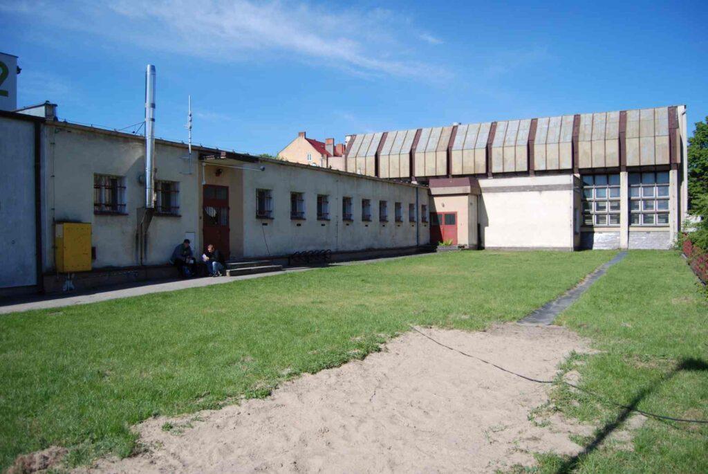 wejście do sali gimnastycznej