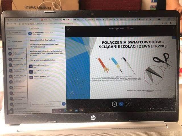 zdjęcie pokazu slajdów o światłowodach